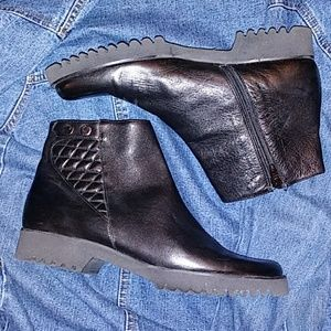 AMALFI Ankle Boots*JUST REDUCED*